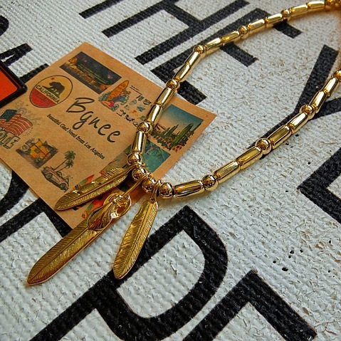 Bgnee Gold3 feather necklace