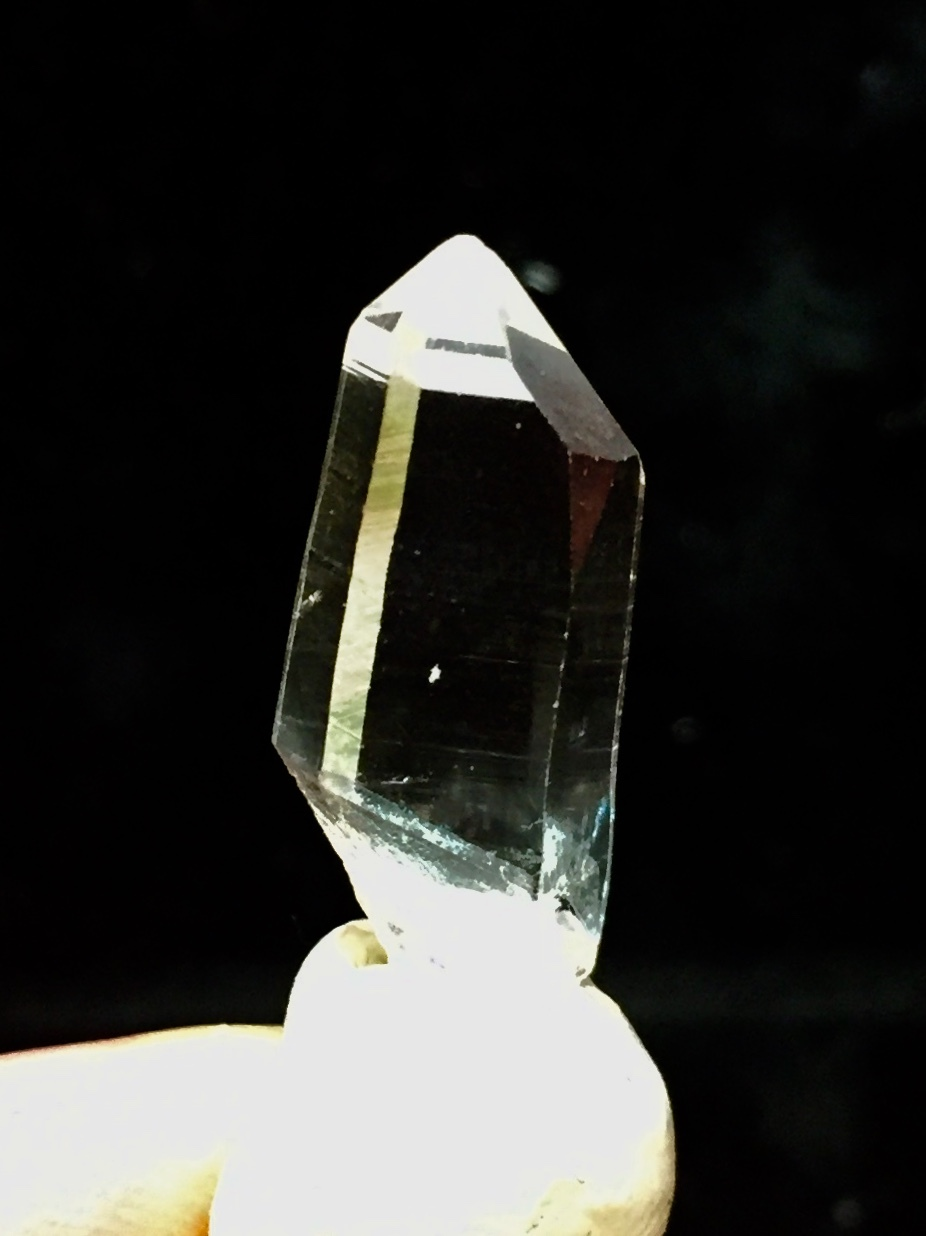 3) 高千穂岩戸水晶(ミニサイズ美品)