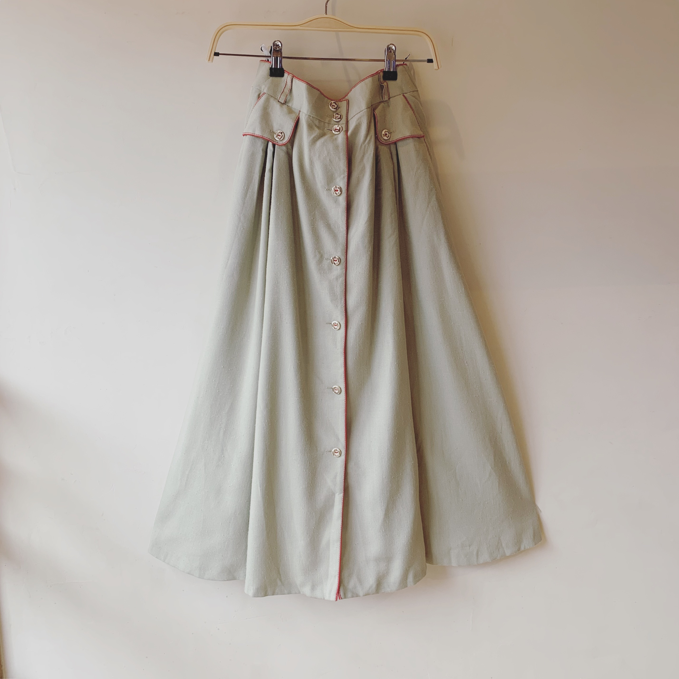 vintage  center button Tyrol skirt