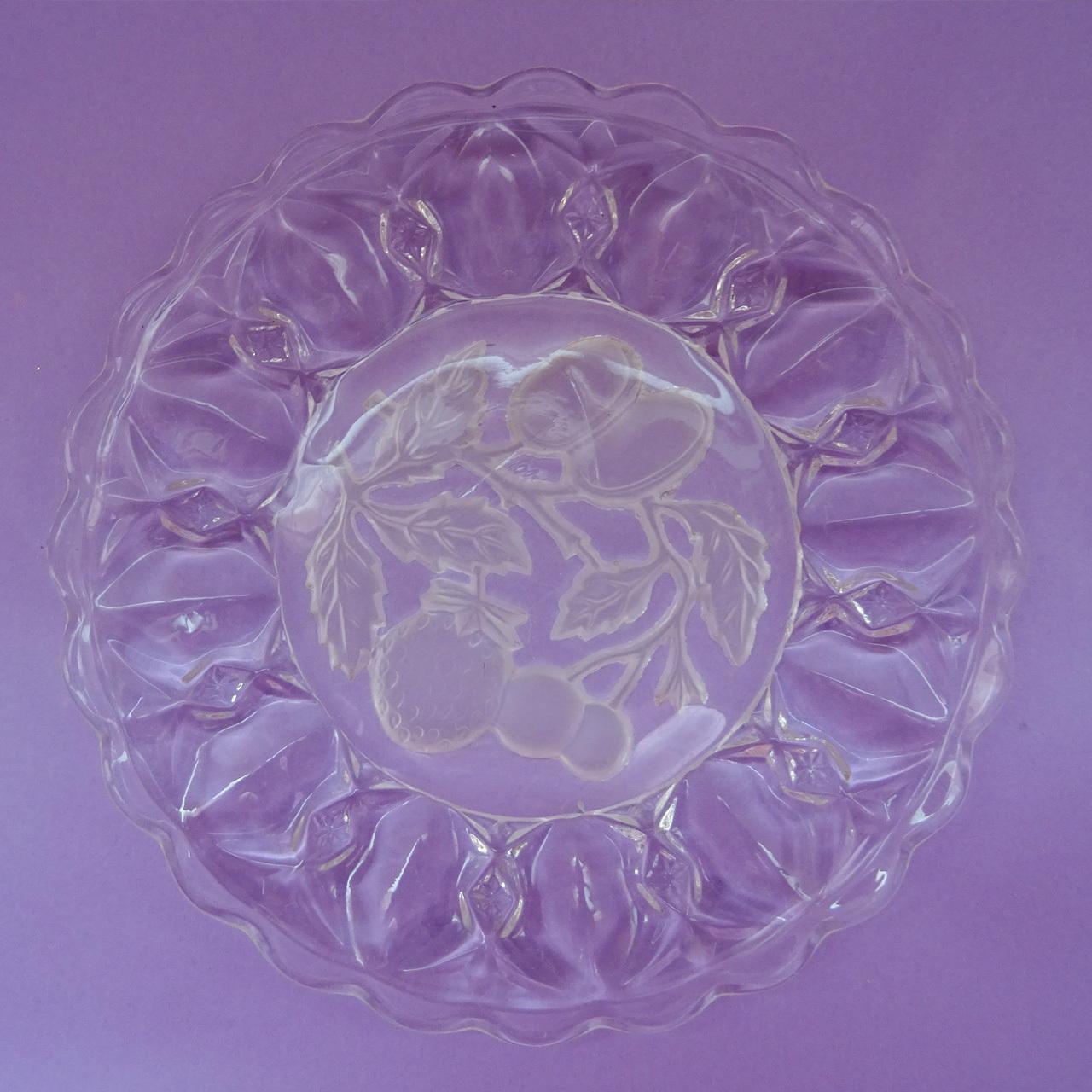 チェコスロヴァキア フルーツモチーフのガラスプレート