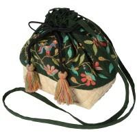 【第3世界ショップ】ミラー刺繍とカンボジアパームのショルダーポーチ 鳥柄(緑)