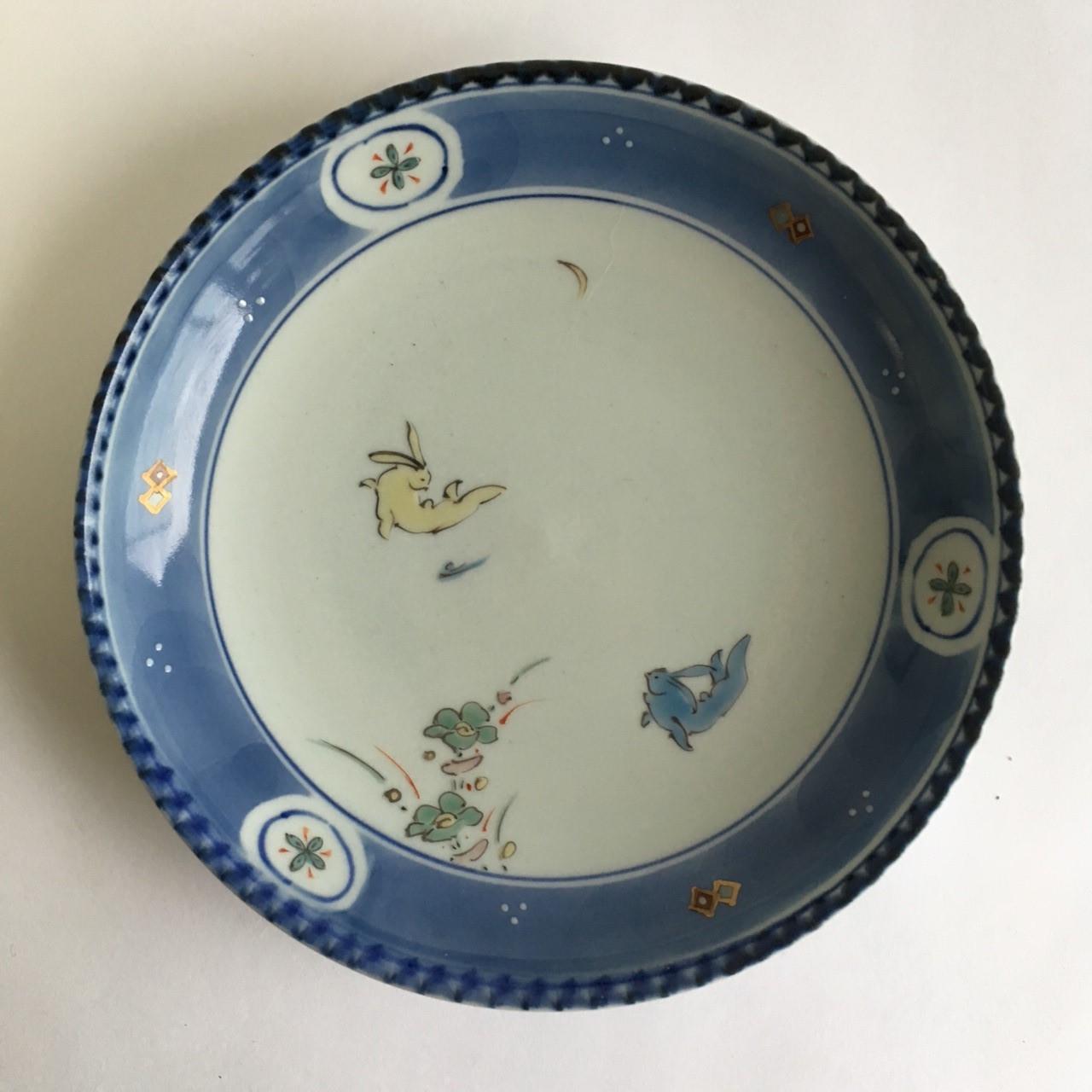 染錦花兎皿