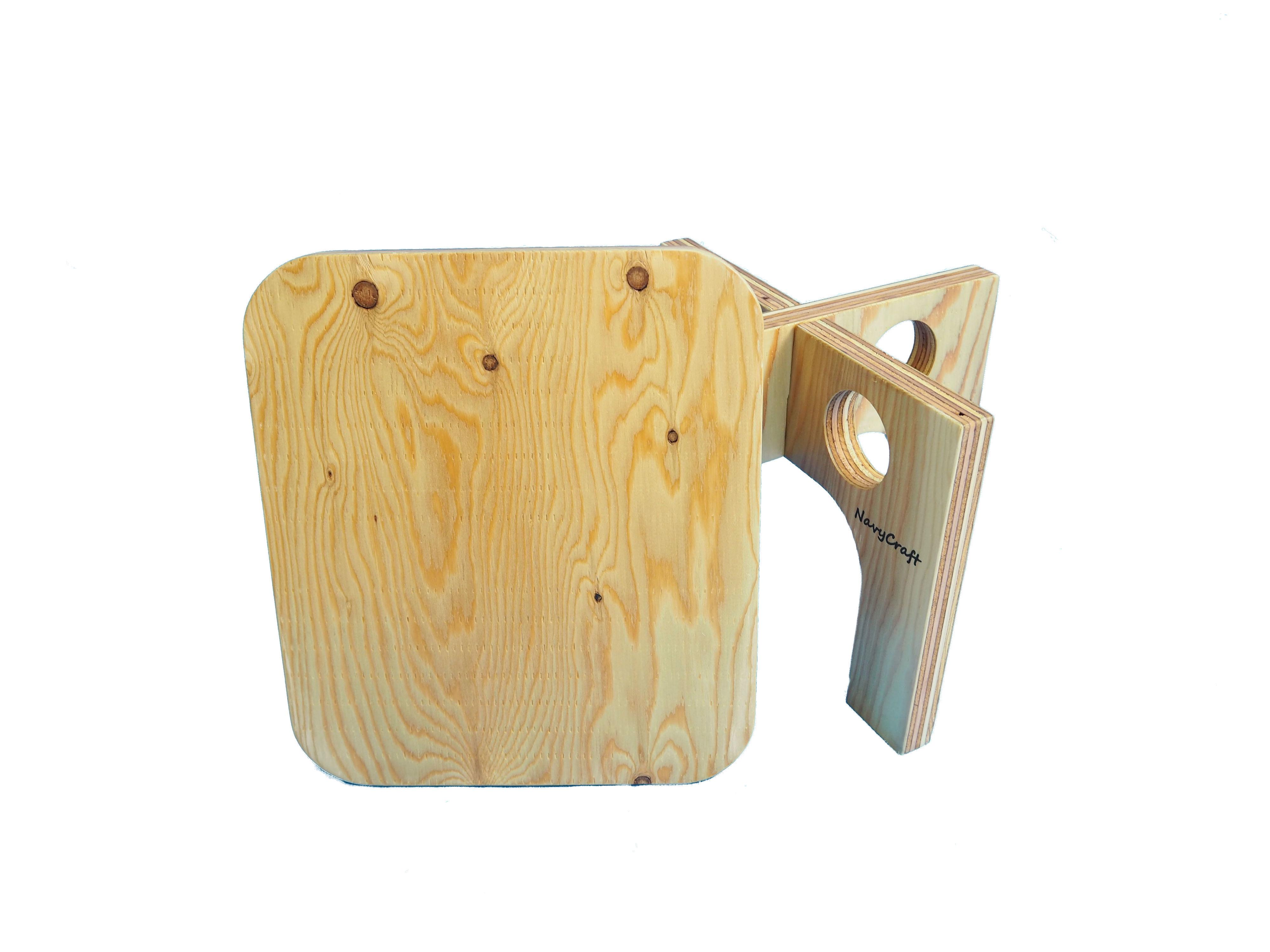 折りたたみ木製チェア