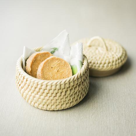 ちび蓋付き籠 手編み 籐素材・ロペア素材