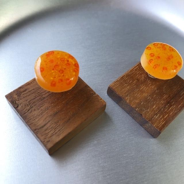 mokune × N7enunana ピアス Orange