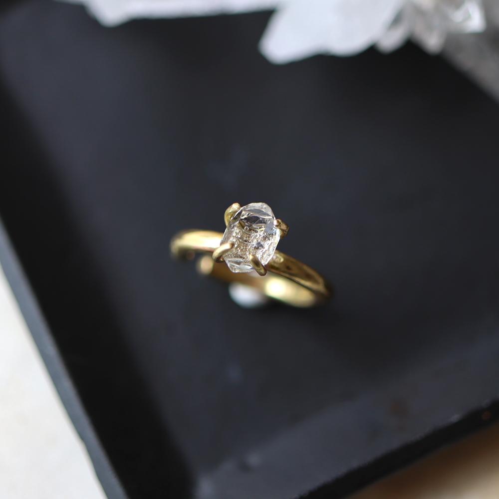 【Sサイズ】原石ダイヤモンドクォーツのイヤーカフ
