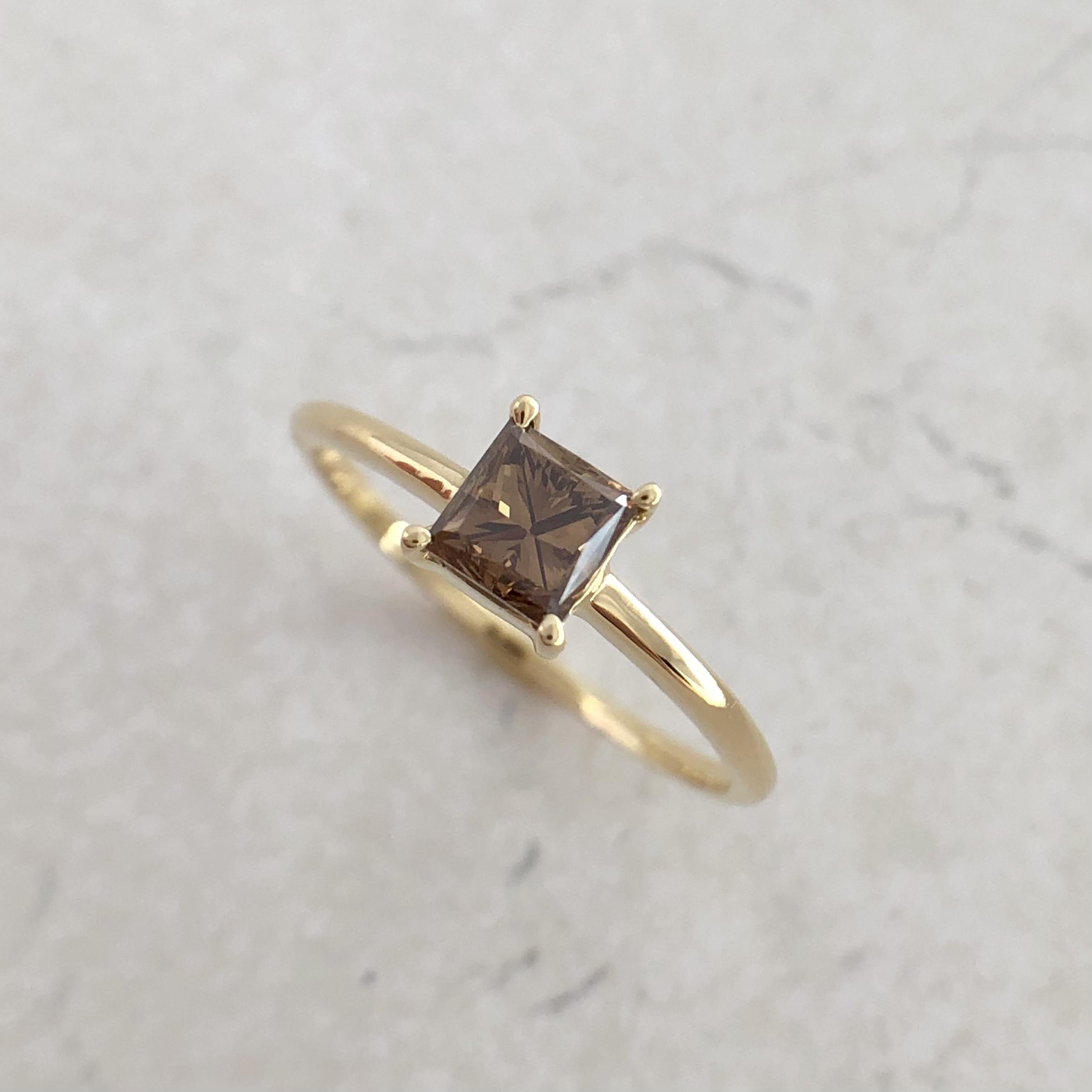 ファンシーブラウン プリンセスカット ダイヤモンド リング  0.453ct  K18イエローゴールド チェカ 鑑定書付
