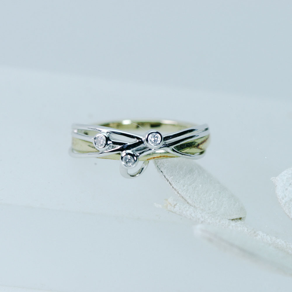 クールデザインダイヤモンド付きファッションリング ドイツ k14