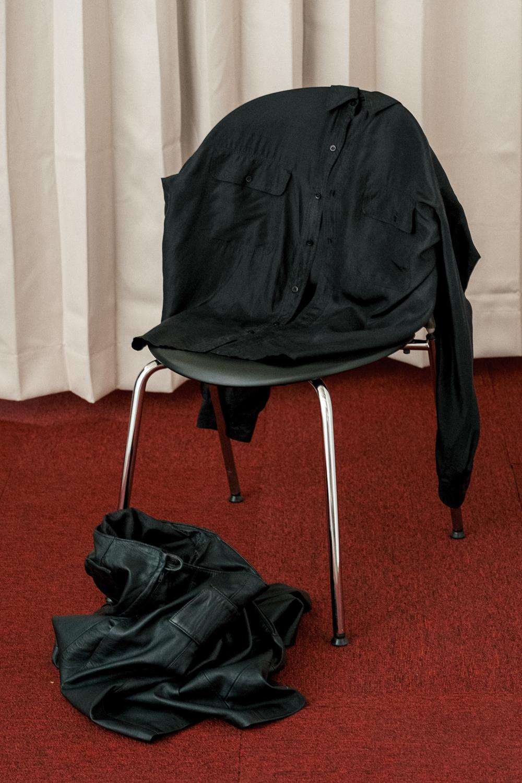 90's Triple Stitch Black Shirt
