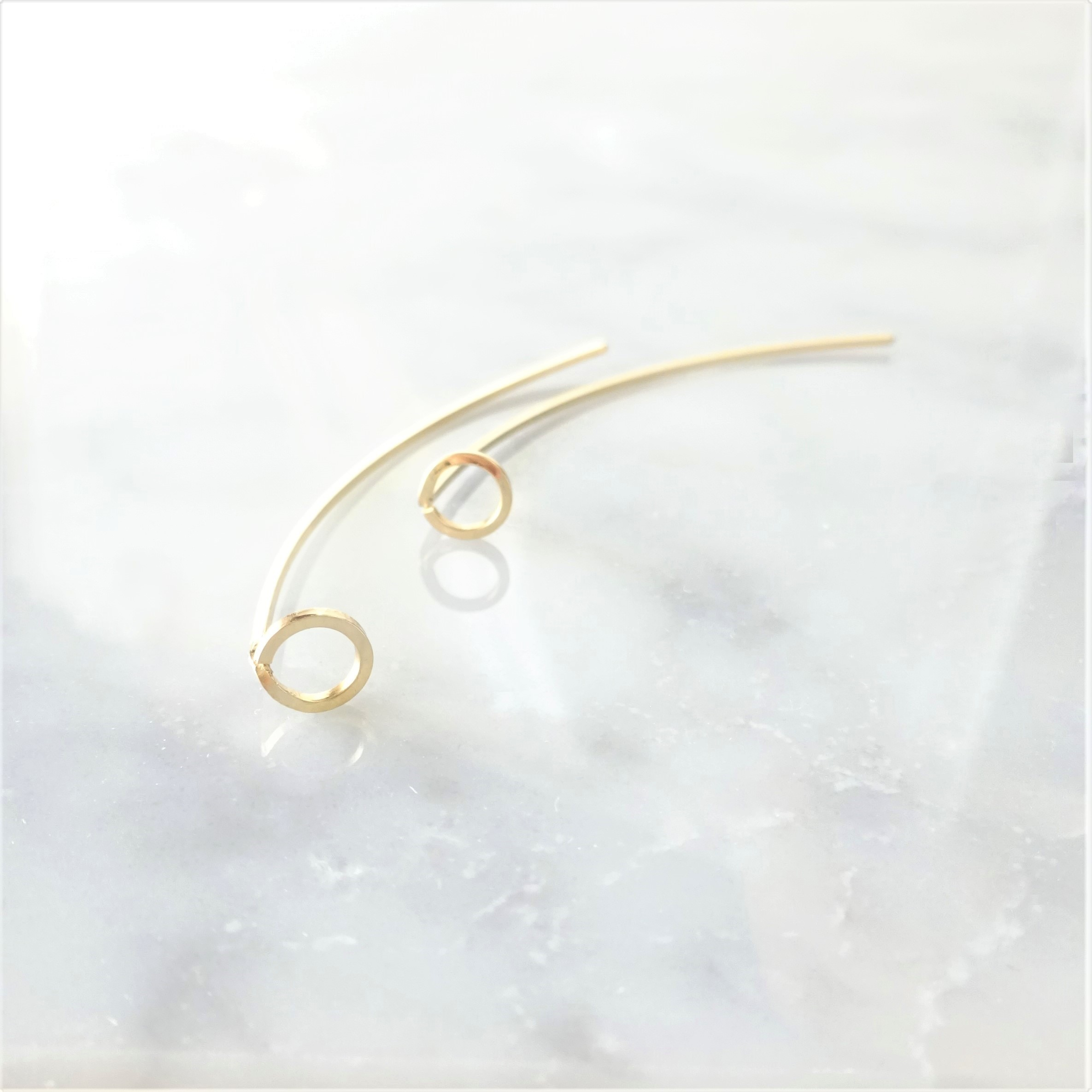 14kgf*CIRCLE arrow pierced earring