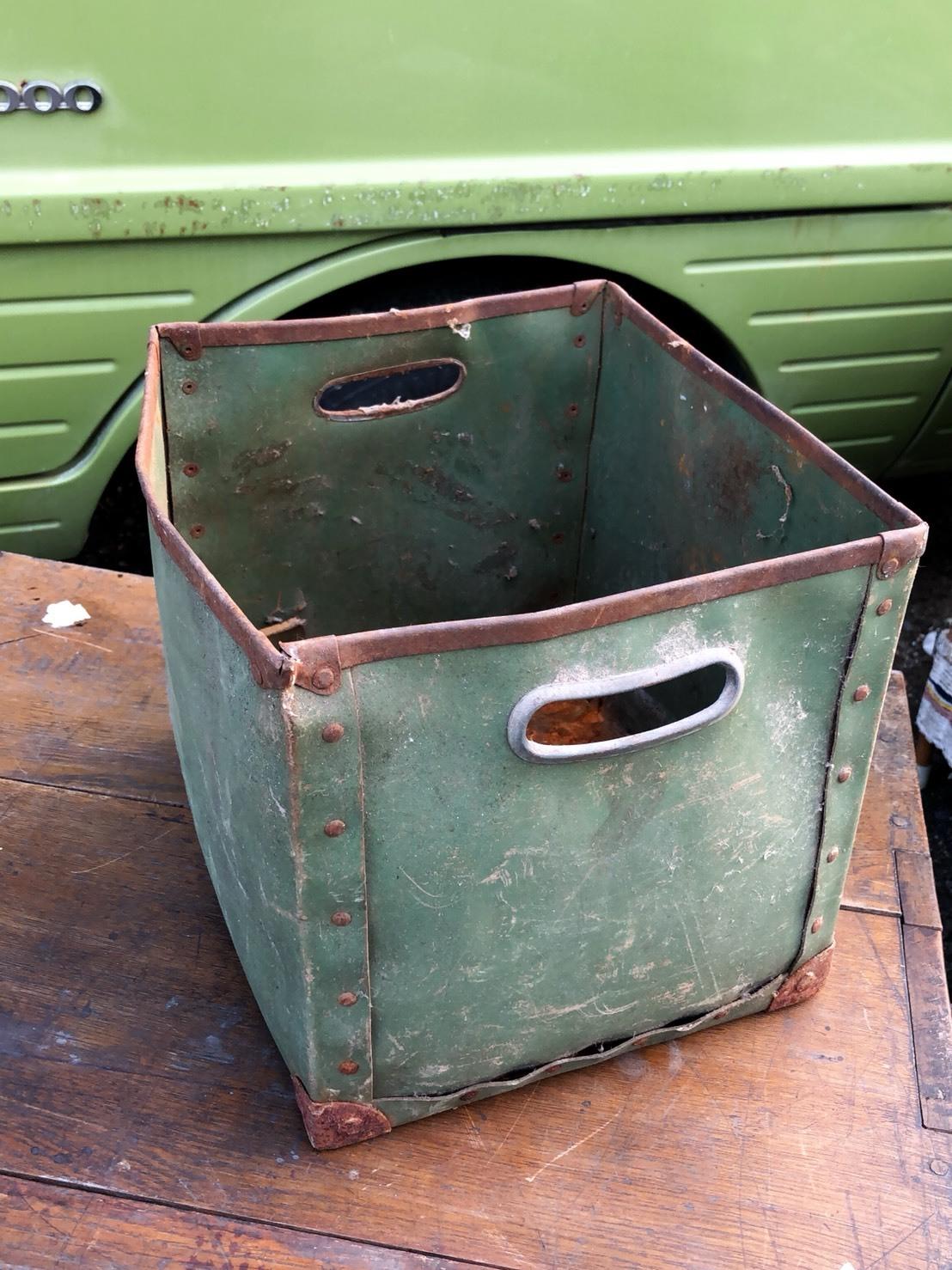 ジャンク  ちっこい ボテ箱