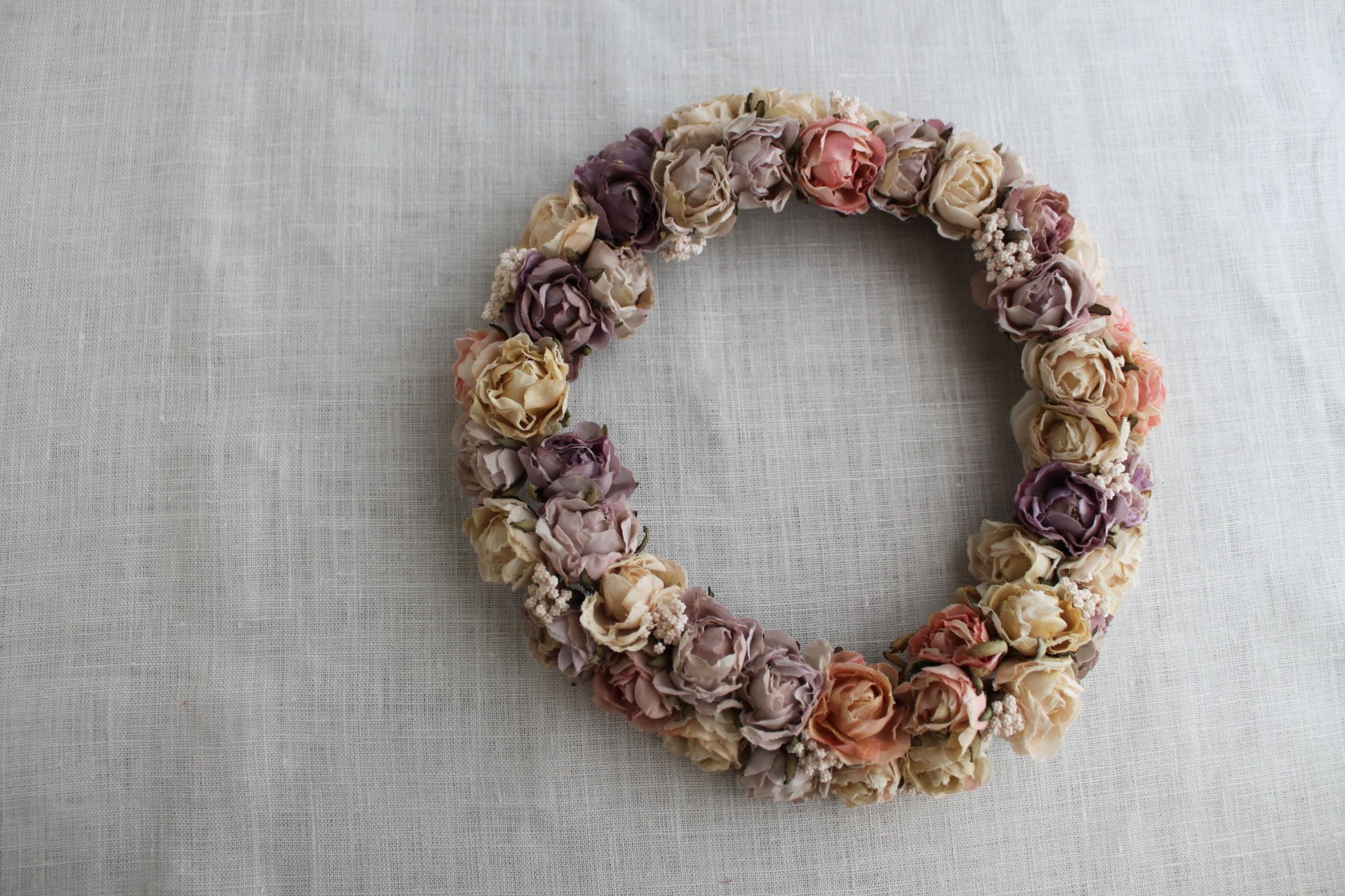 ラベンダー色の薔薇リース
