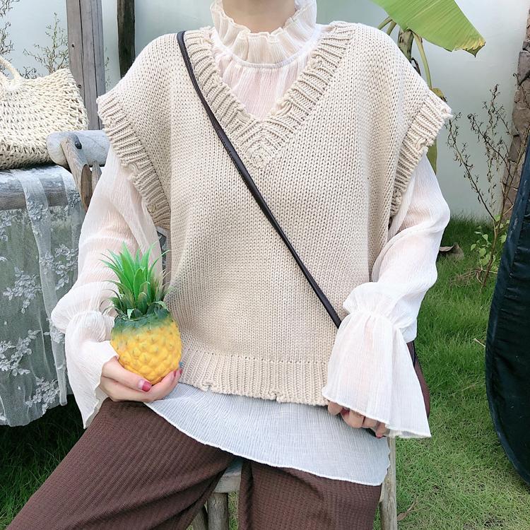ダメージニットベスト&レトロブラウス【damage knit vest & retoro brouse】