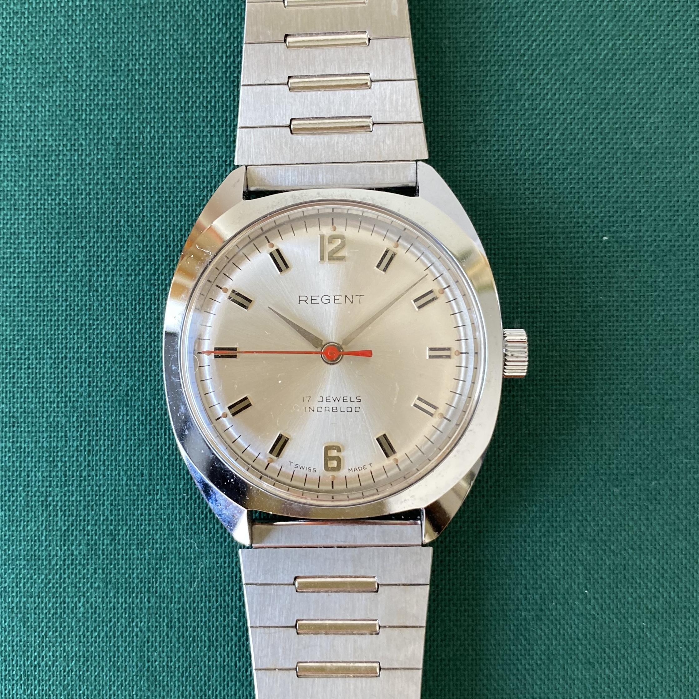 Swiss1960年代手巻き式腕時計(シルバー・ラウンド) / ac0046