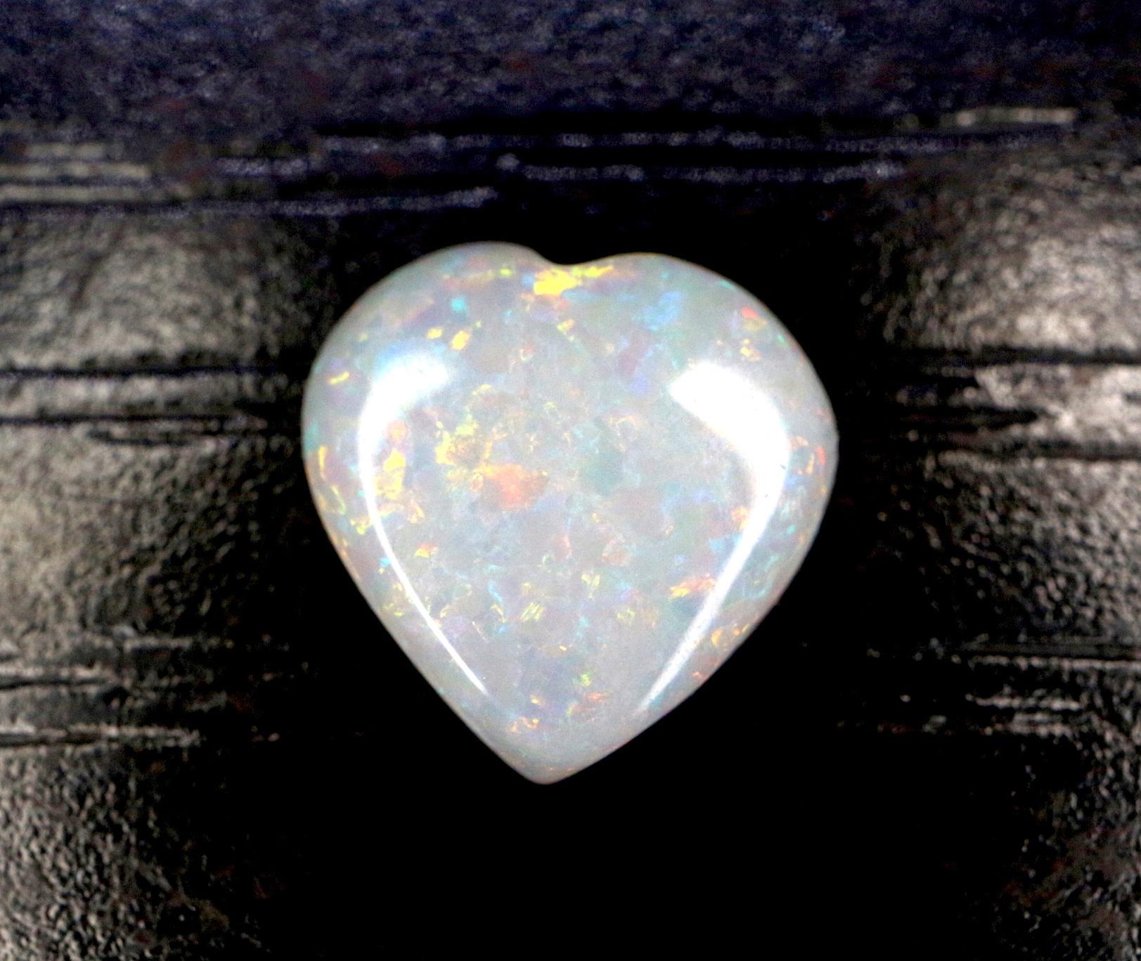 ハート型!天然 オーストラリア オパール ルース石 0.56ct  裸石
