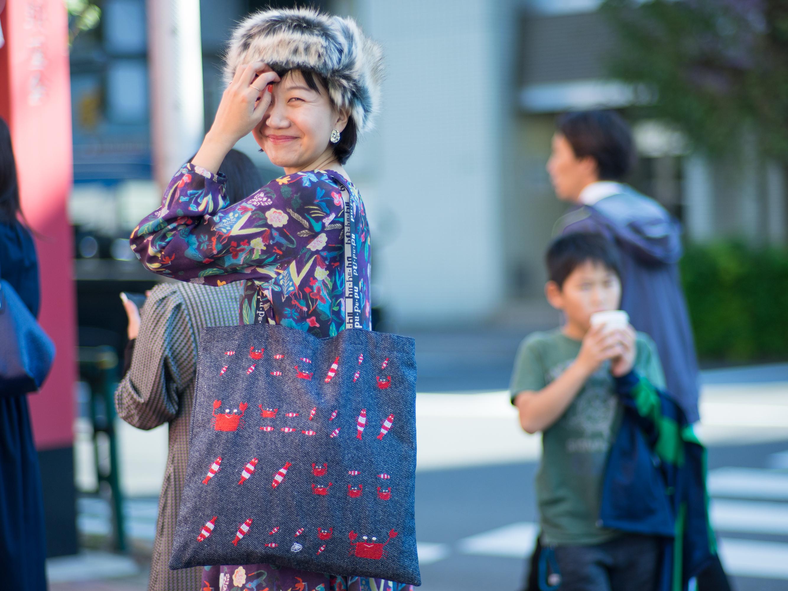 刺繍なトートバッグ/エビとカニ