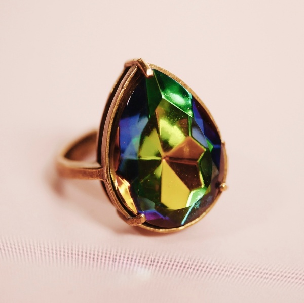 虹カラフルヴィンテージガラス 涙型リング(指輪)