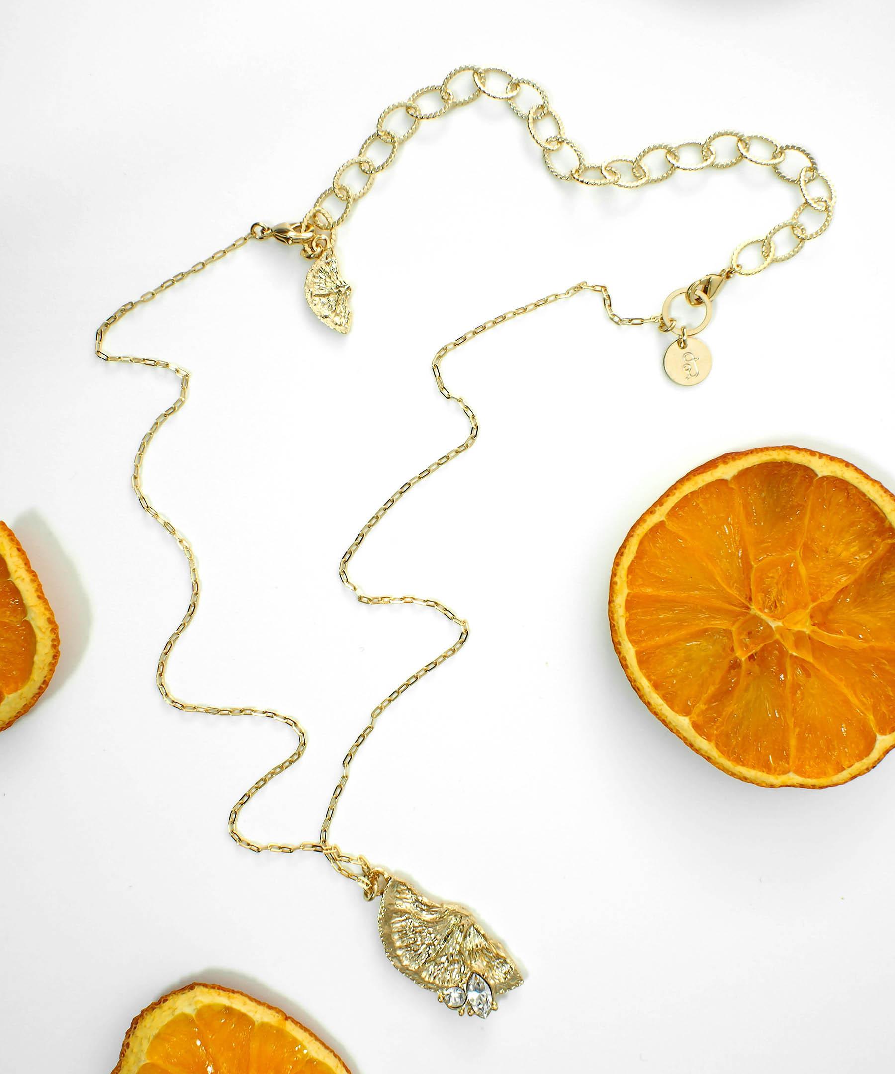 オレンジペンダントネックレス