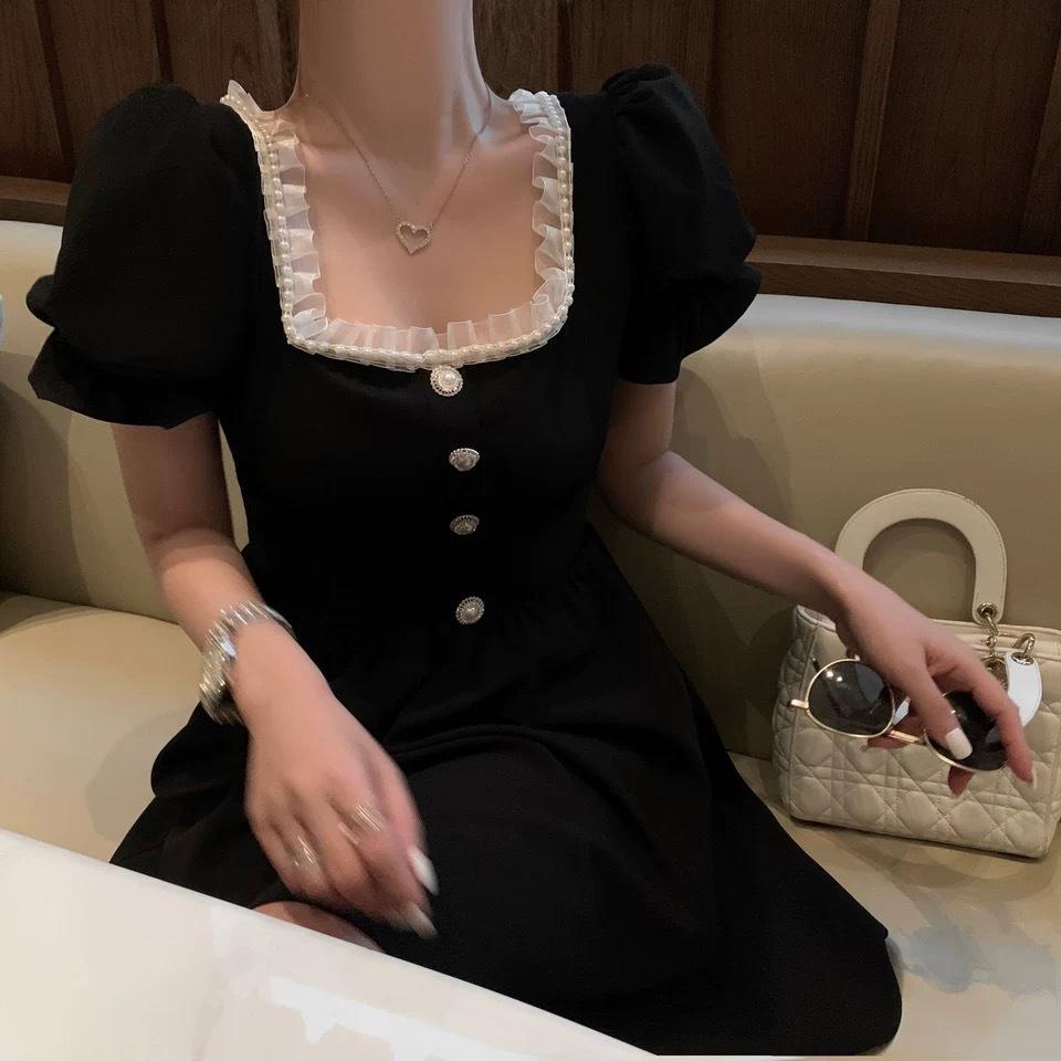lantern sleeve lace dress