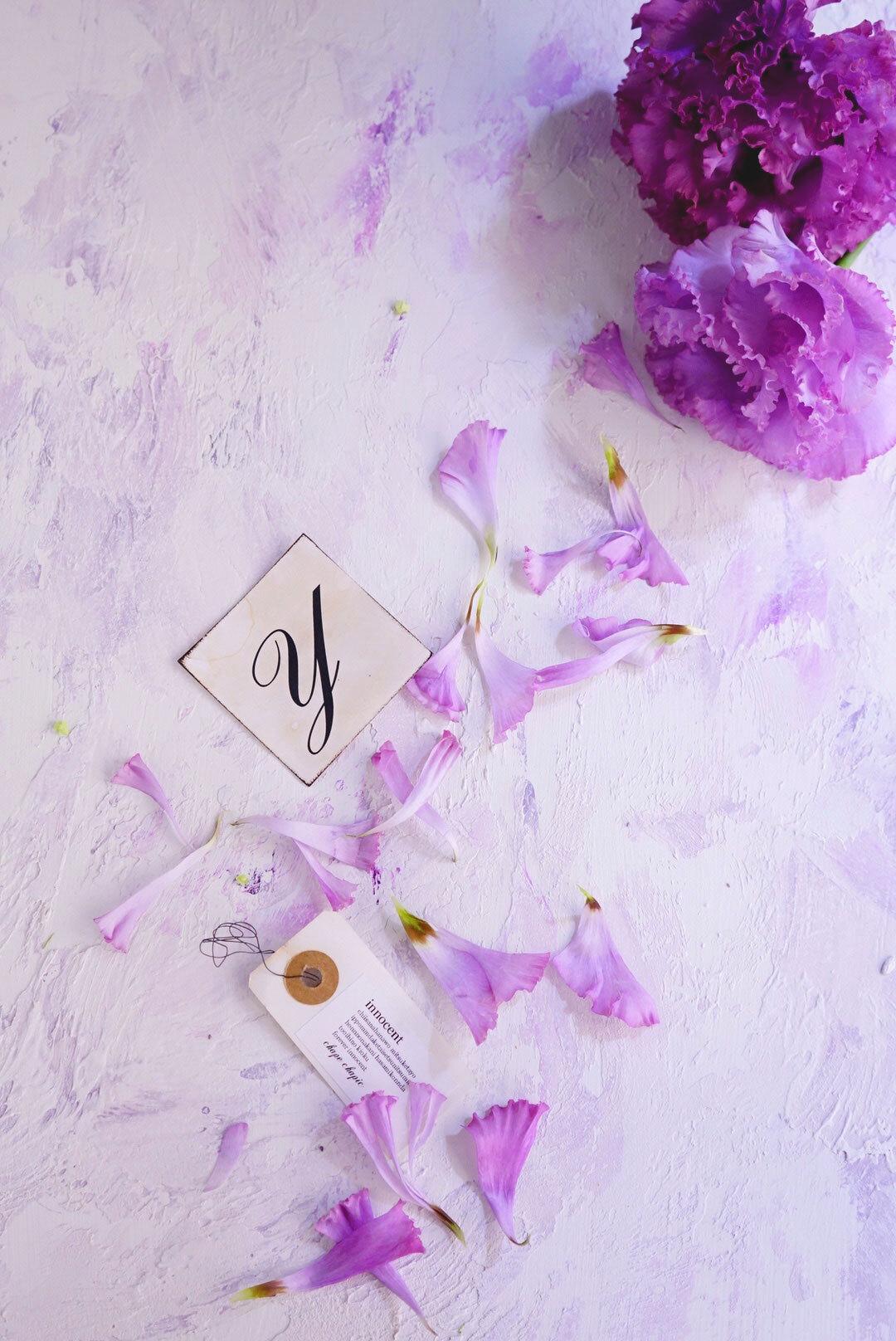 A1サイズ:ライラックパープル「花香」を感じる5種の淡い色のスタイリングボード