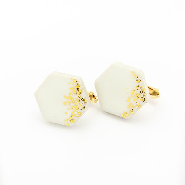伝統工芸品 美濃焼 六角形 星屑のイヤリング&ピアス ホワイト