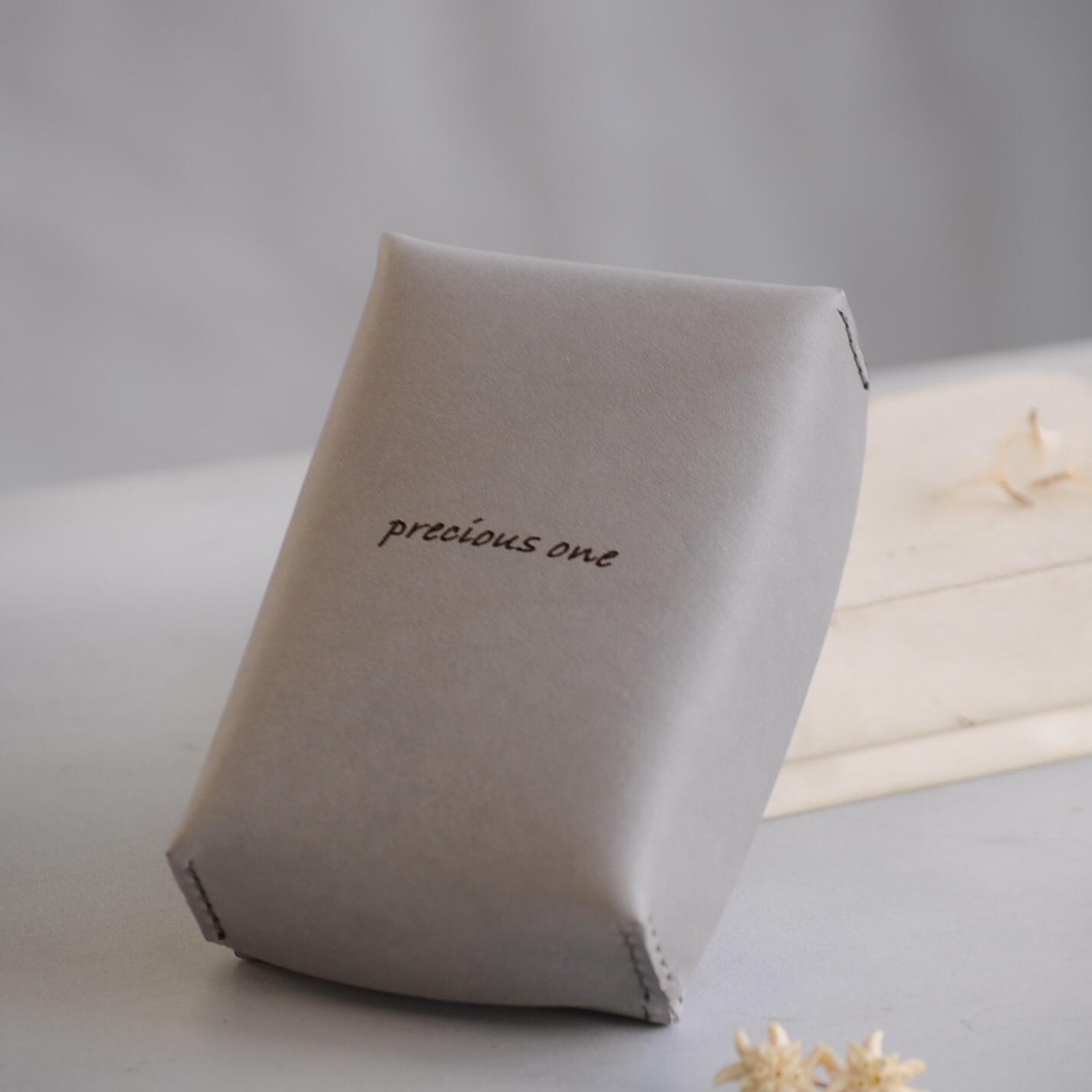 オリジナルボックス | 革のカードボックス