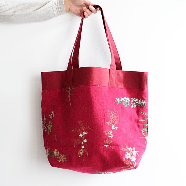 果実花刺繍のトートバック レッド