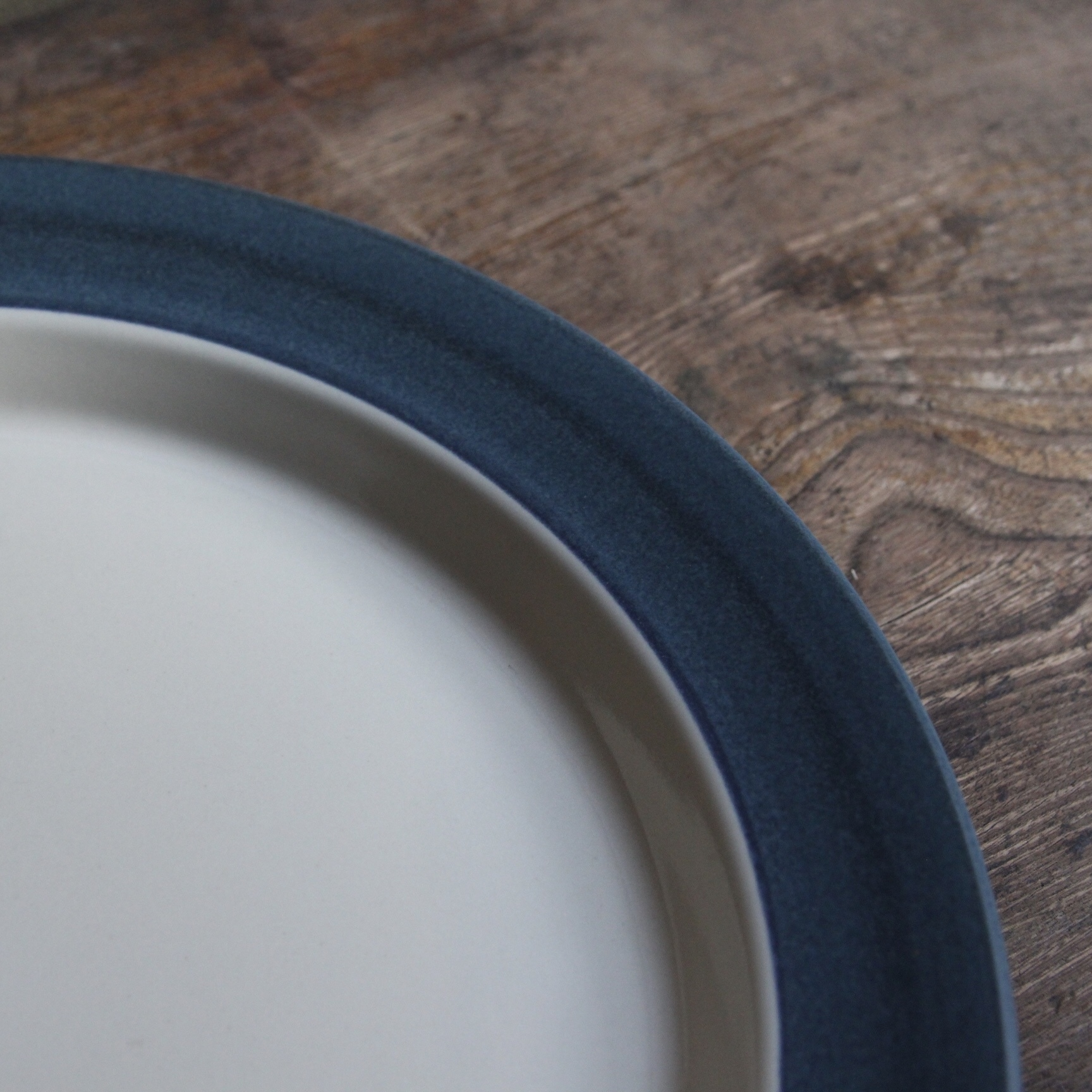 群青色のリムのストーンウェア 大皿 在庫1枚