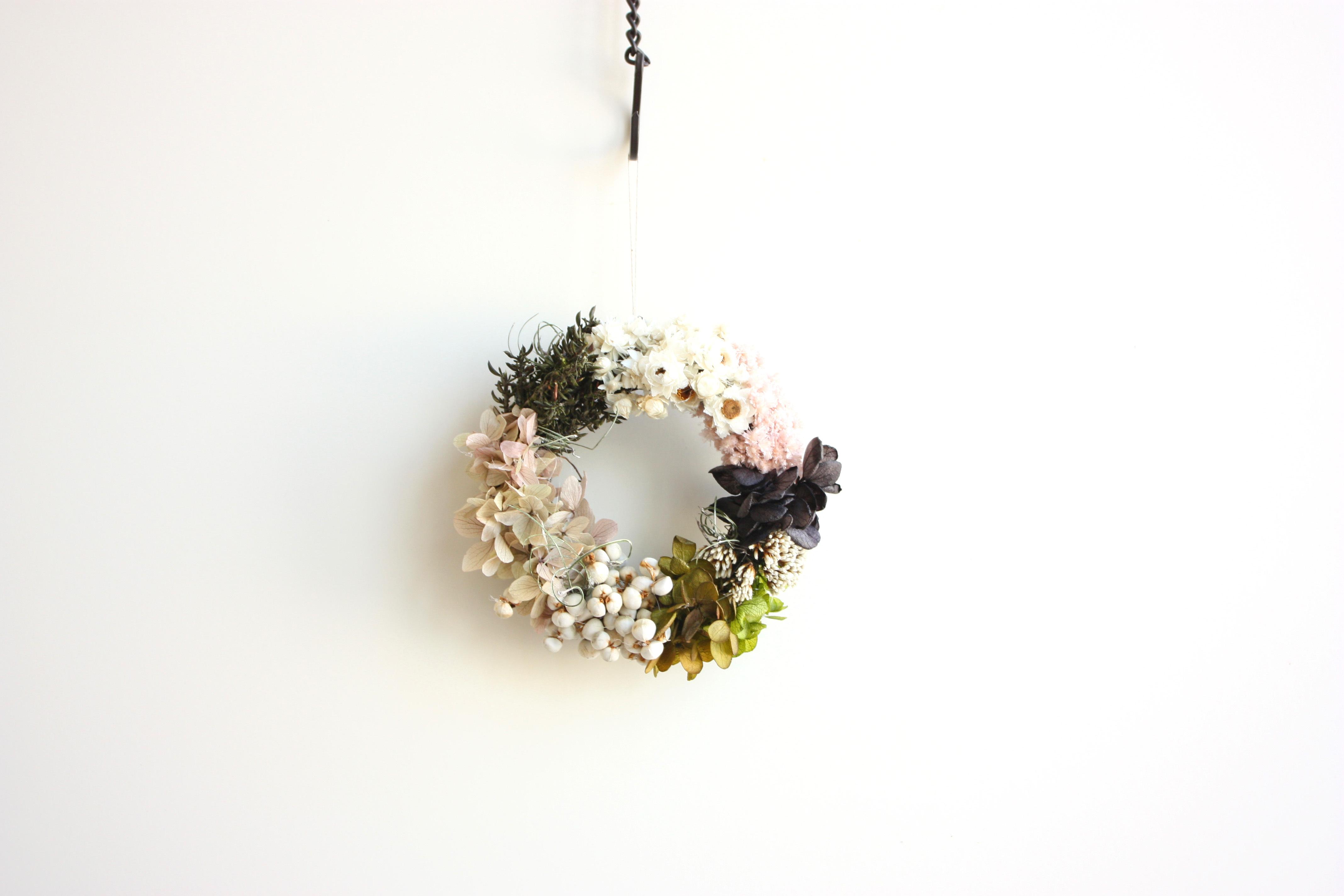 初夏のお花のグラデーションリース