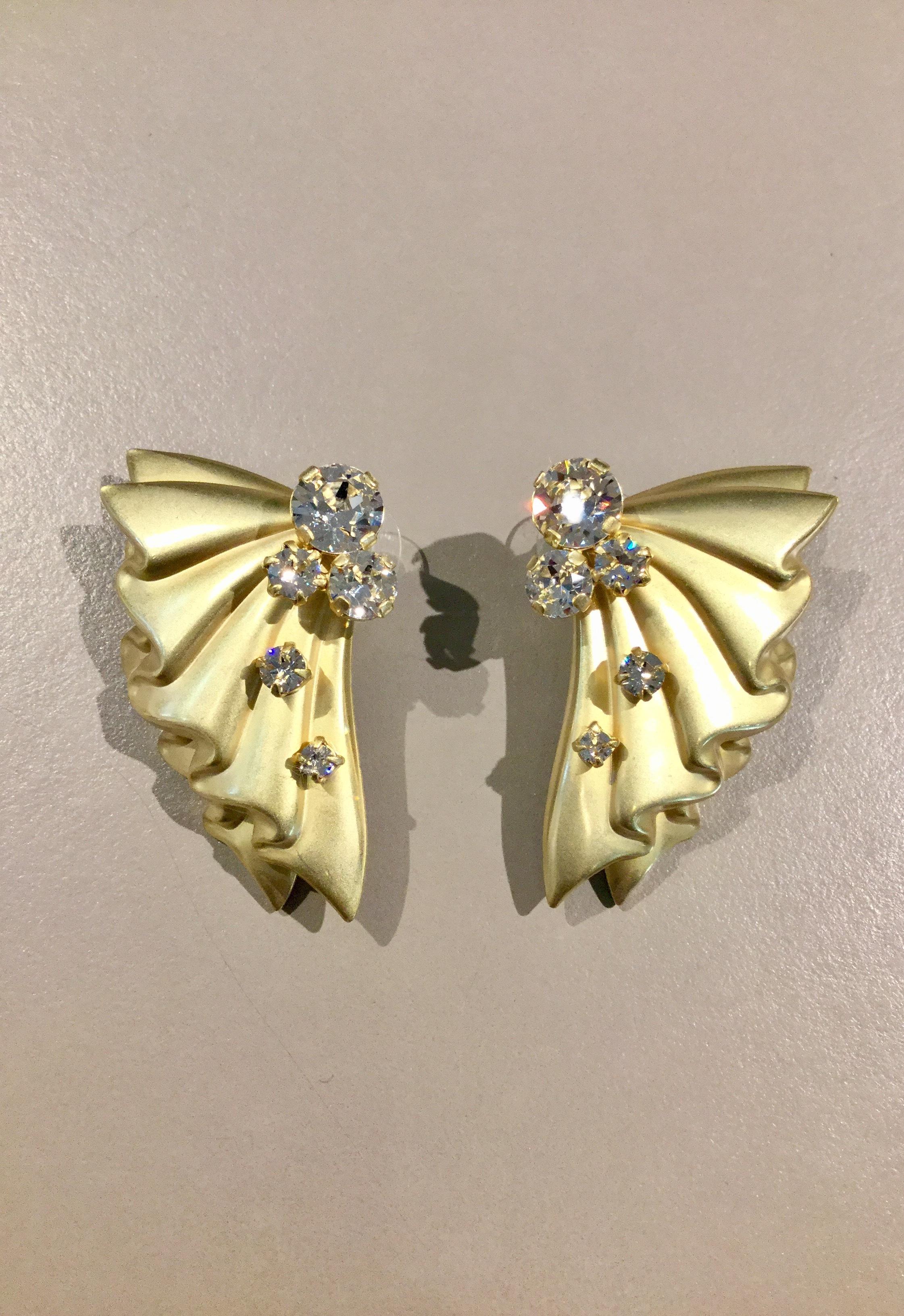 somnium wind pierced earrings