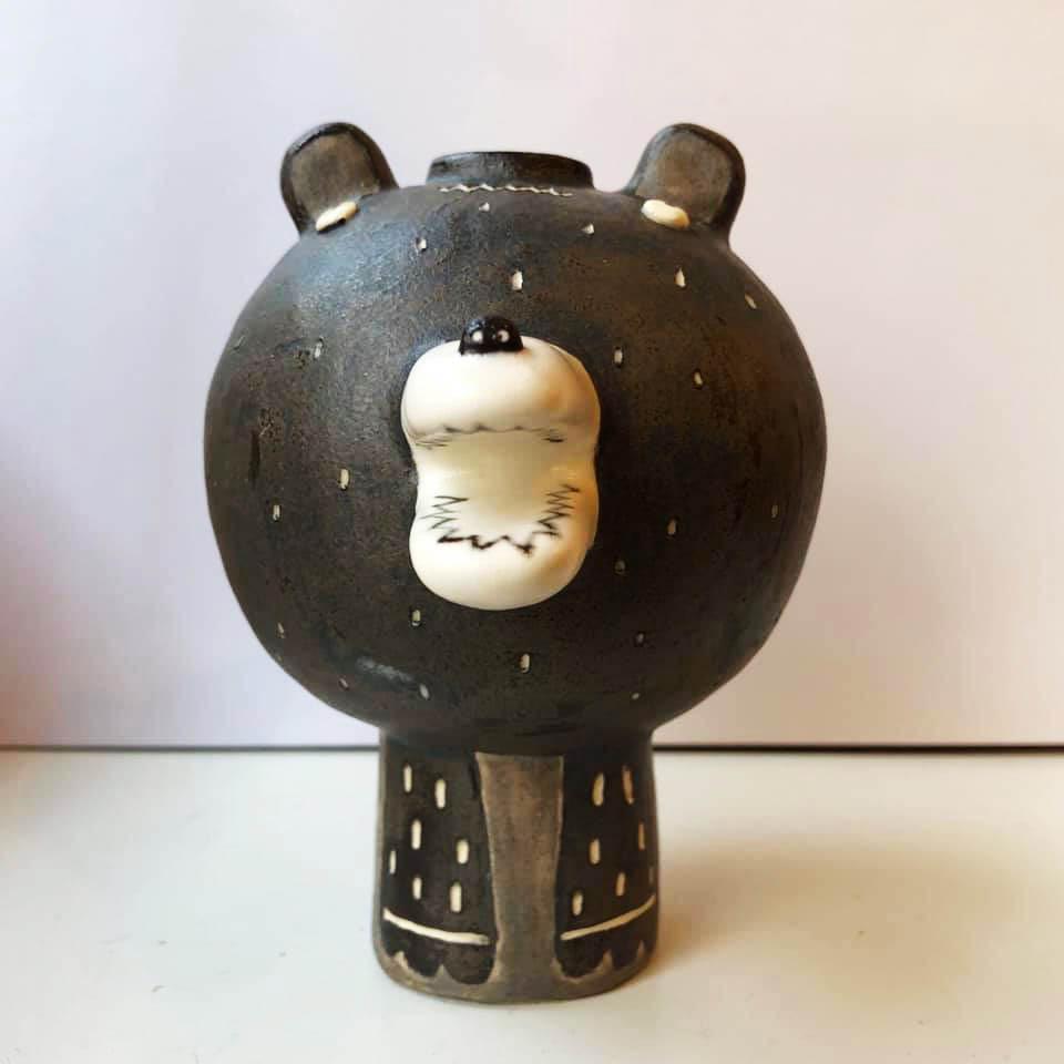 古澤彩「クマの一輪挿し」NO.14