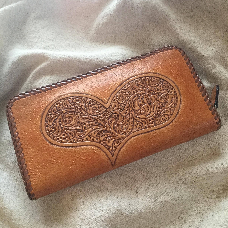 レザーカービングのハートのカービング長財布(送料無料)