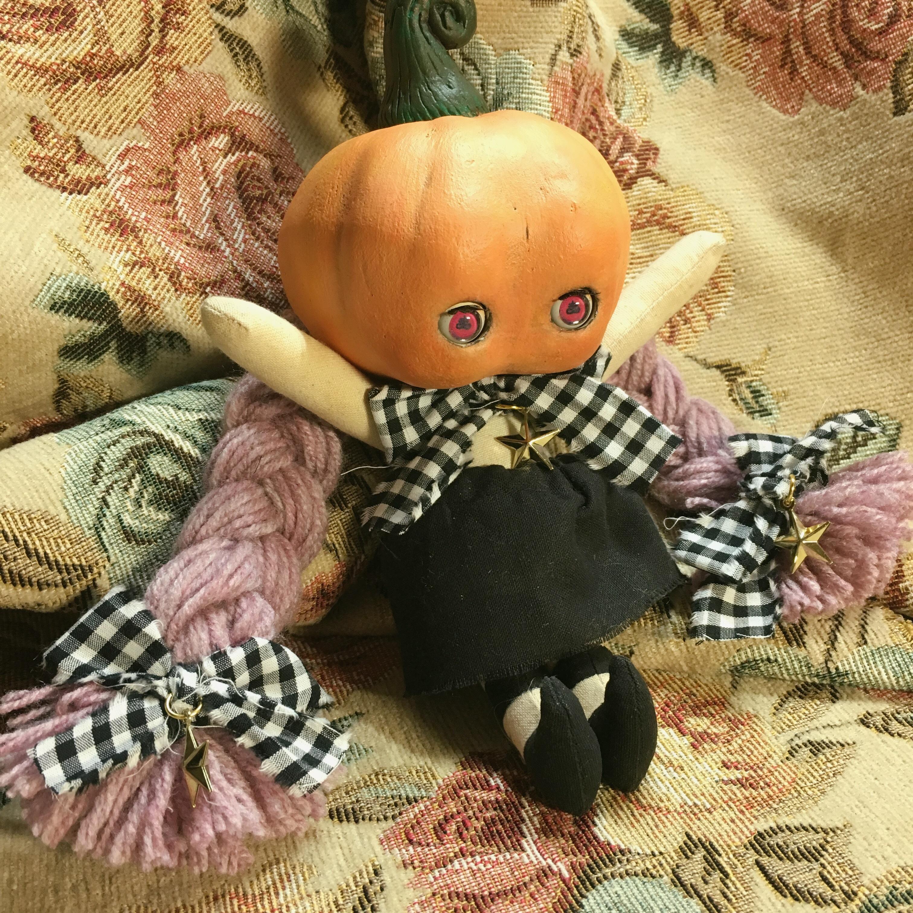 sold out★かぼちゃあたまの子(魔女子ちゃん)