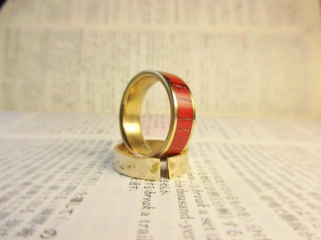 木と真鍮の指輪 パドウク 象嵌リング