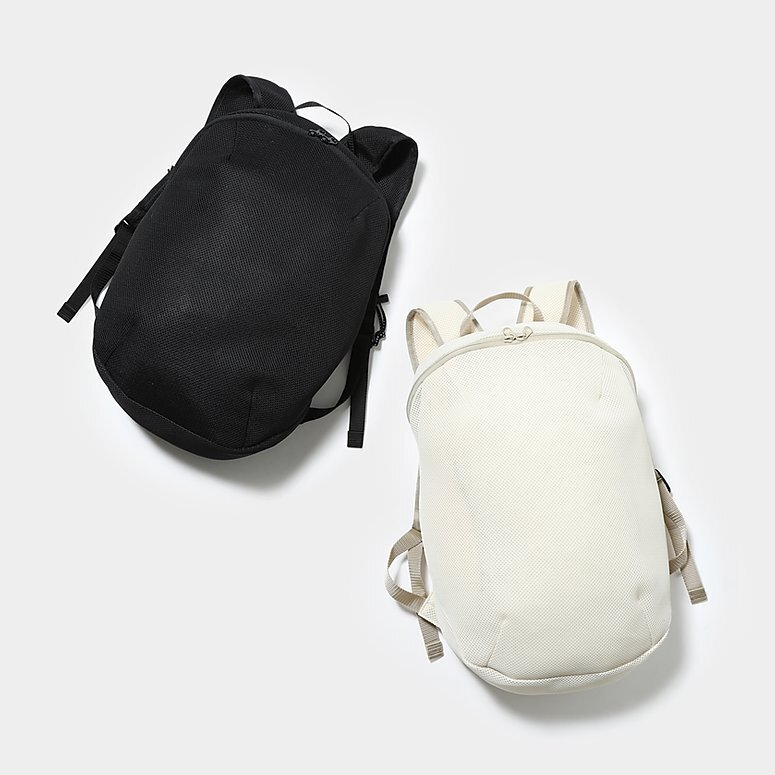 MOUN TEN. マウンテン double russell mesh daypack 10L color:sandbeige・black