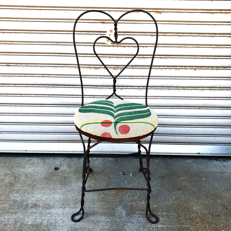 品番5773 ヴィンテージチェア アイアンフレームチェア ハート ワイヤー 草花柄 椅子