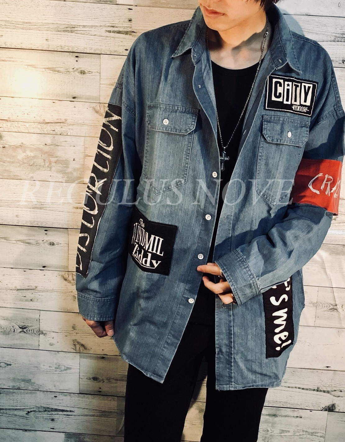 ユニセックス  パッチデザインBIGデニムシャツ  レディース  メンズ オーバーサイズ 大きいサイズ 派手 個性的 ストリート ロック