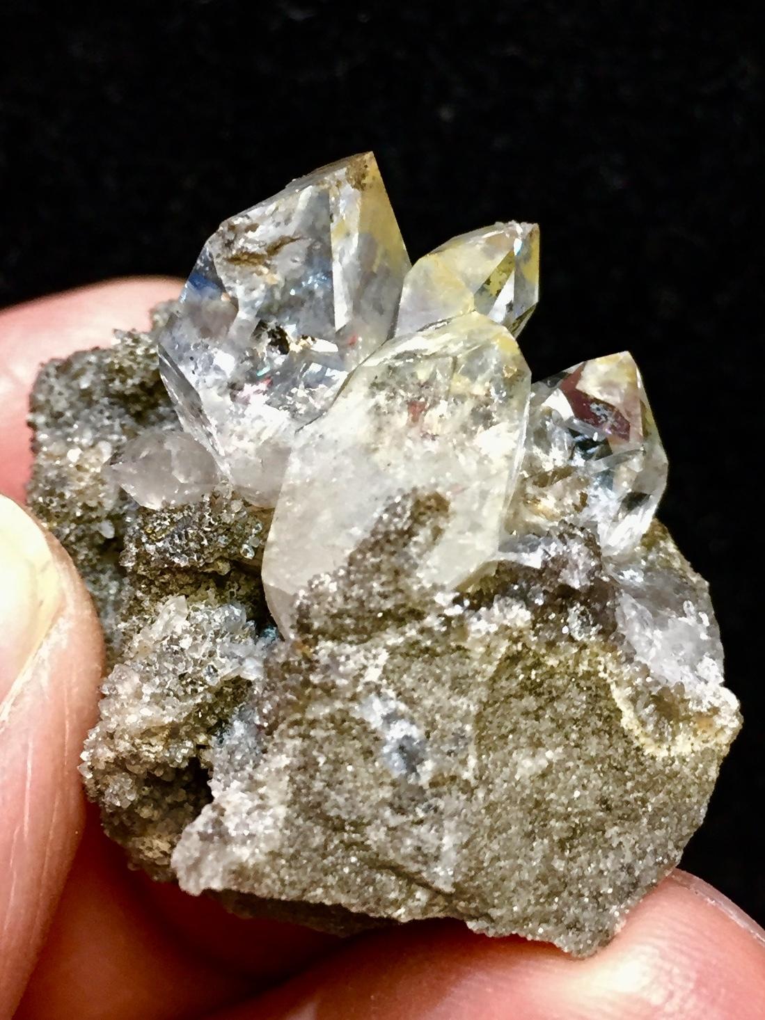 2) ニューヨーク・ハーキマー・ダイヤモンド母岩付き