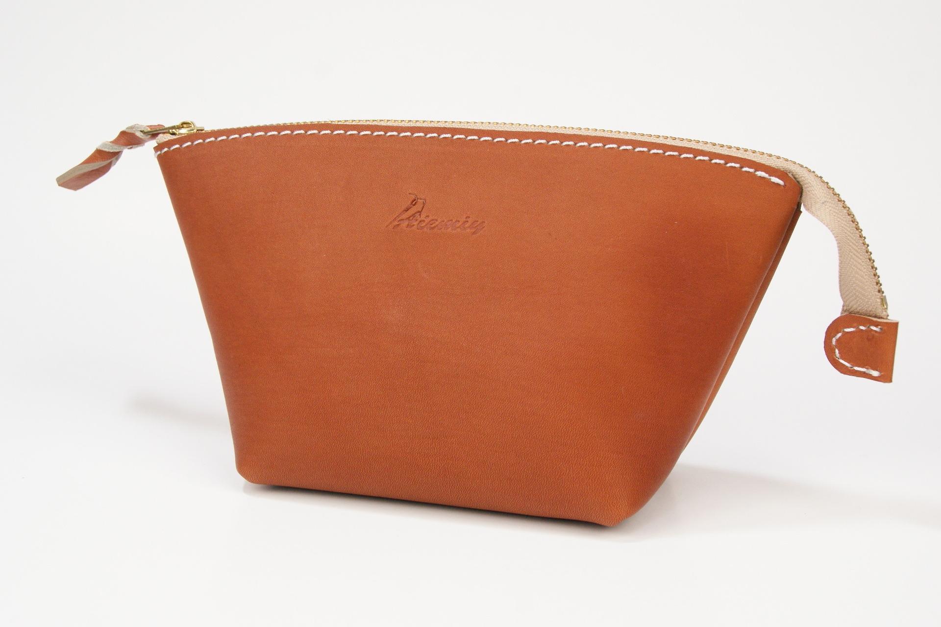 ポーチ 手触りやさしいグローブ皮ブラウン Leather
