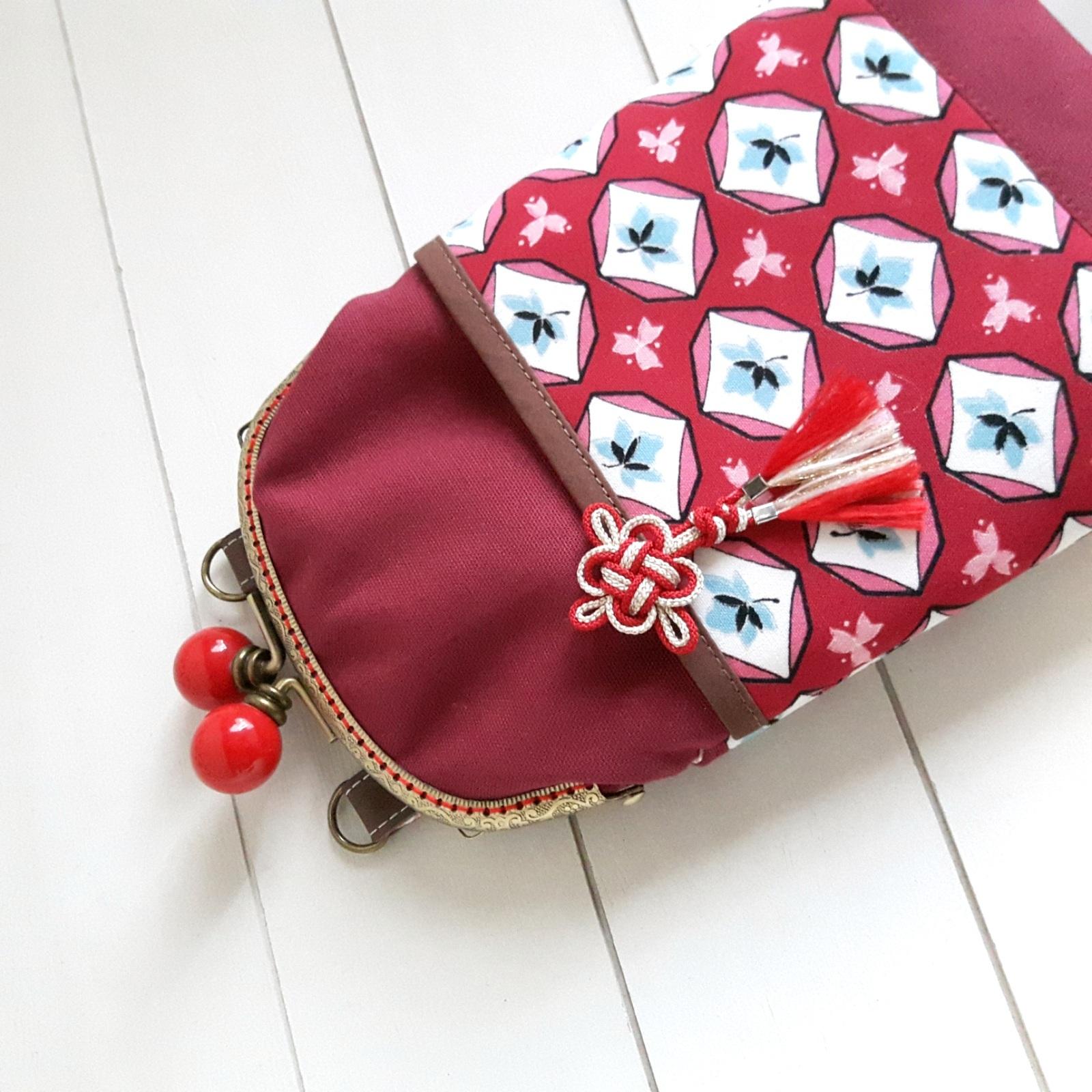 がま口 スマホポシェット(赤×ピンク小花)