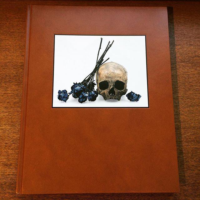 写真集「Flowers, Skulls, Contacts/David Bailey」 - 画像1