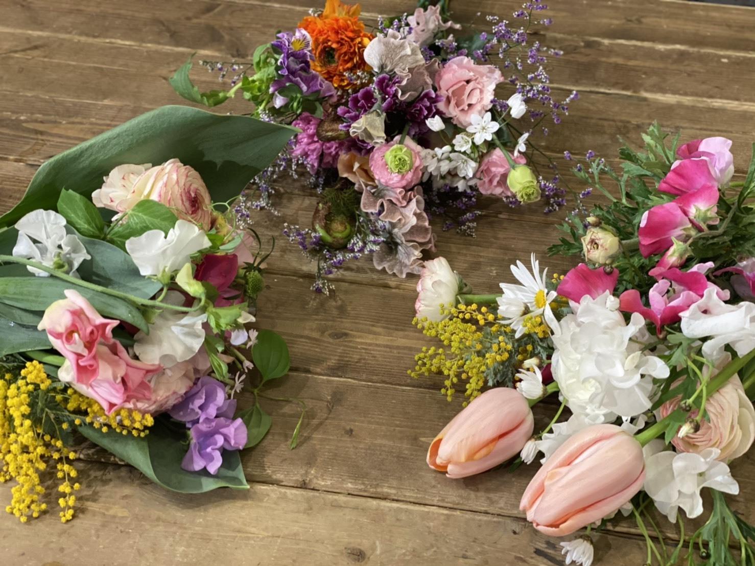 【ホワイトデー】おまかせお花と香りのブーケ