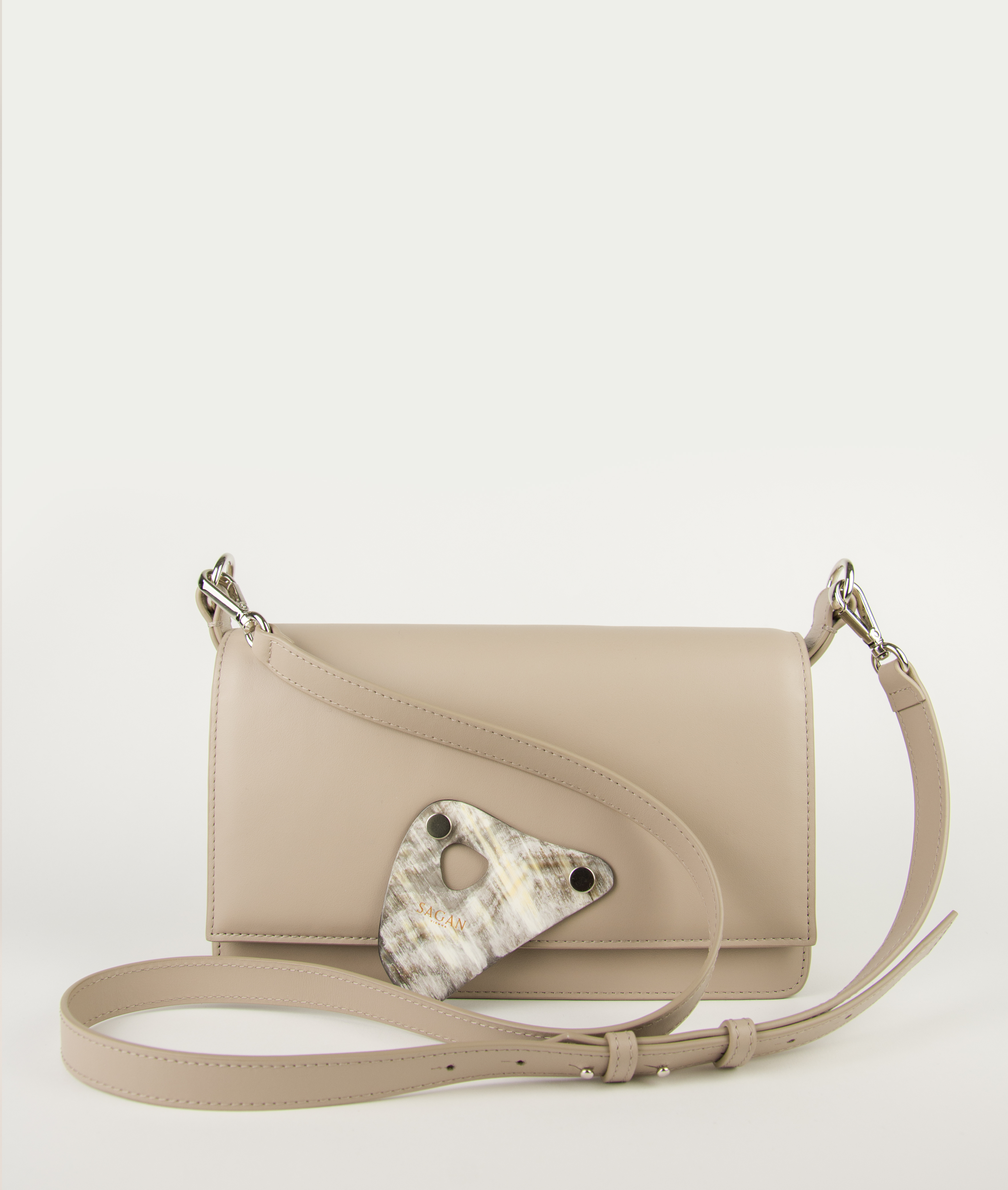 CROSSBODY M BASIC STRAP_BEIEGE TAUPE with HORN