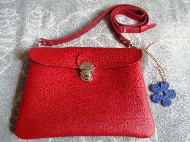 【新色ルビーレッド】文庫本とお財布持ってちょっとお出かけバッグ(横型)