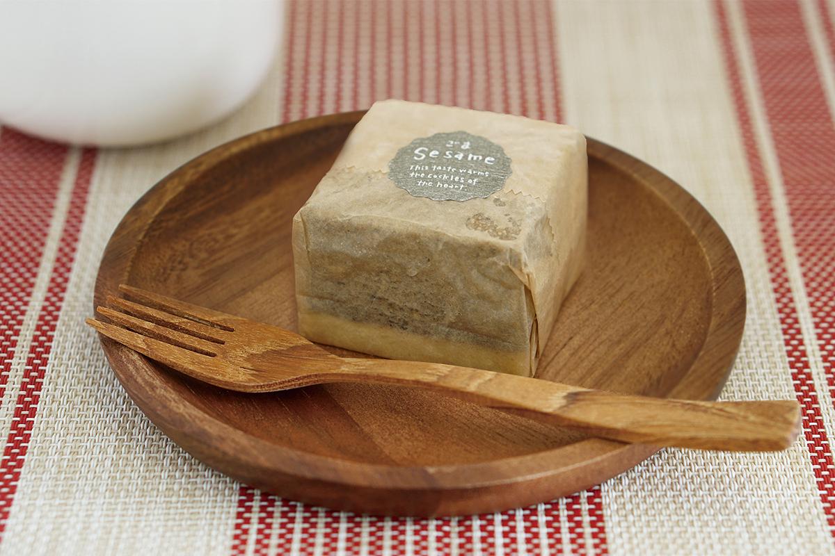 チーズケーキ(黒ごま)