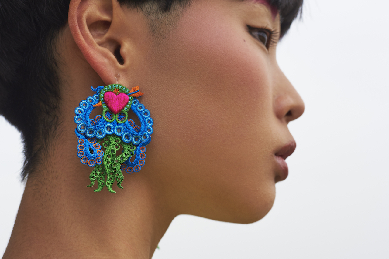 ARRO / Embroidery earing / ARROCTPUS / BLUE