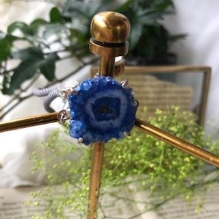 天然石druzy blue ソーラークォーツブレスレット 台座付き