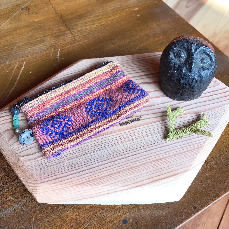 Bisowa Stone付きマルチケース(刺繍)