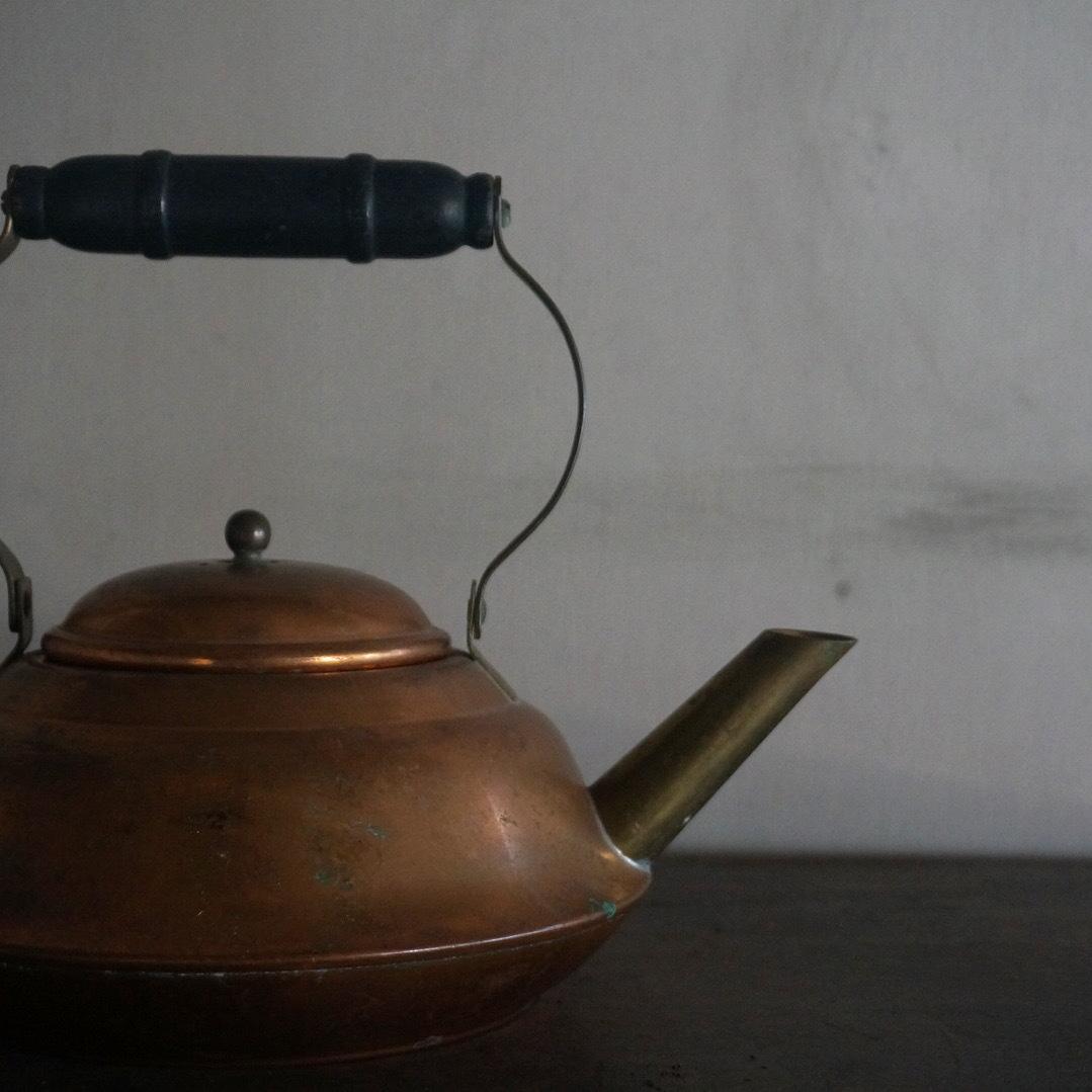 古いオランダの薬缶