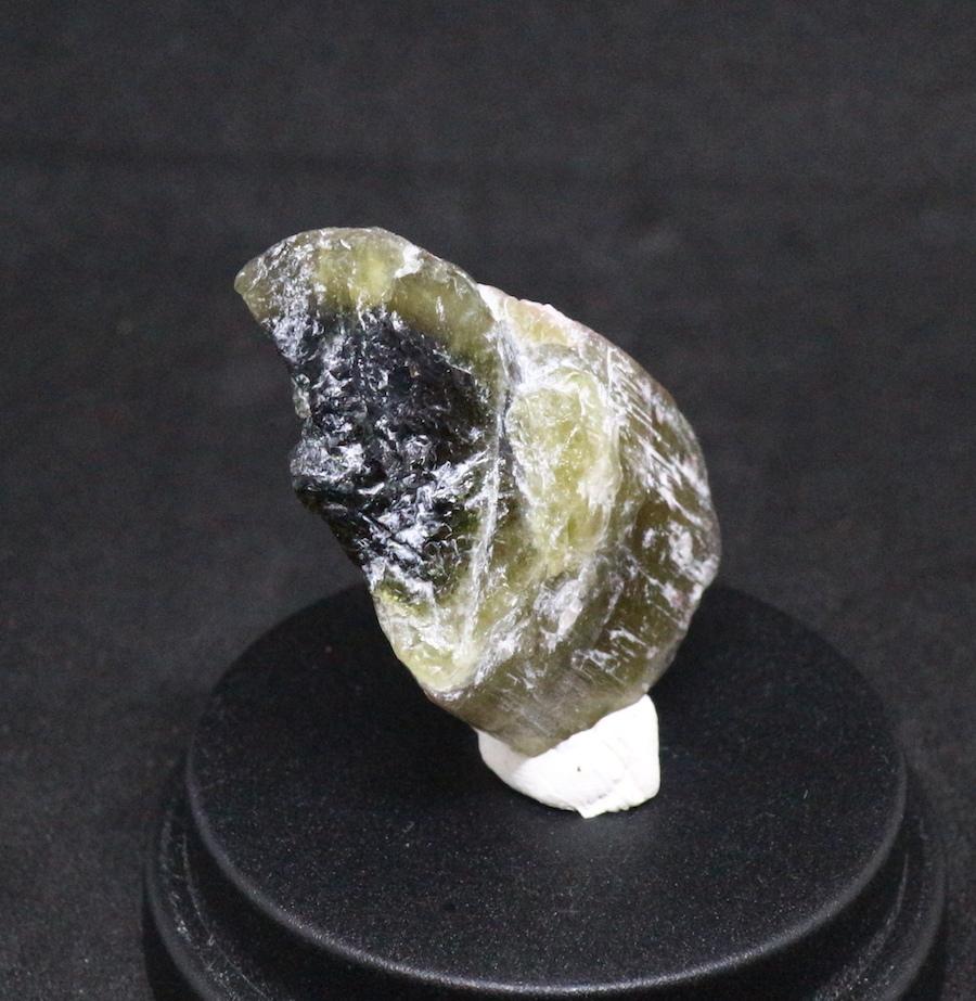 カリフォルニア産!グリーントルマリン 9,4g 原石 鉱物 標本 T033